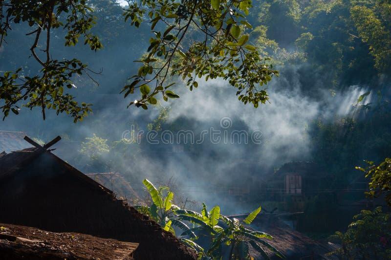 Download Χωριό των ανθρώπων Wa στοκ εικόνες. εικόνα από χωριό - 62714736