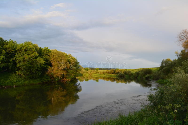 Χωριό Beregovaya περιοχών της Ρωσίας Τούλα ποταμών Oka στοκ φωτογραφίες με δικαίωμα ελεύθερης χρήσης