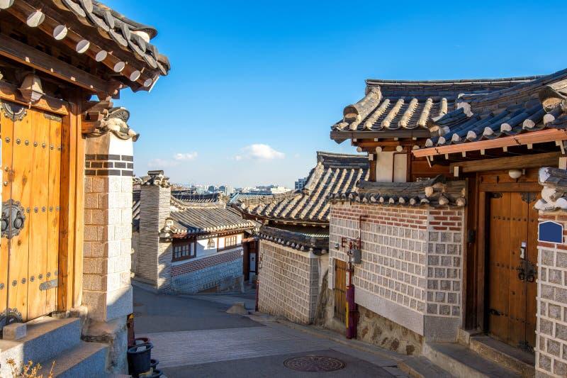 Χωριό Hanok Bukchon, παραδοσιακή κορεατική αρχιτεκτονική ύφους στην Κορέα στοκ φωτογραφίες