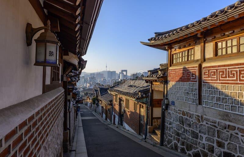 Χωριό Hanok Bukchon, παραδοσιακή κορεατική αρχιτεκτονική ύφους στο S στοκ εικόνες