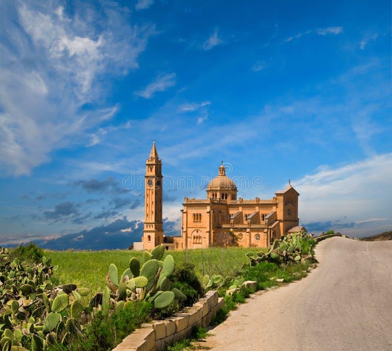 χωριό pinu TA της Μάλτας gozo εκκλη&si στοκ εικόνες