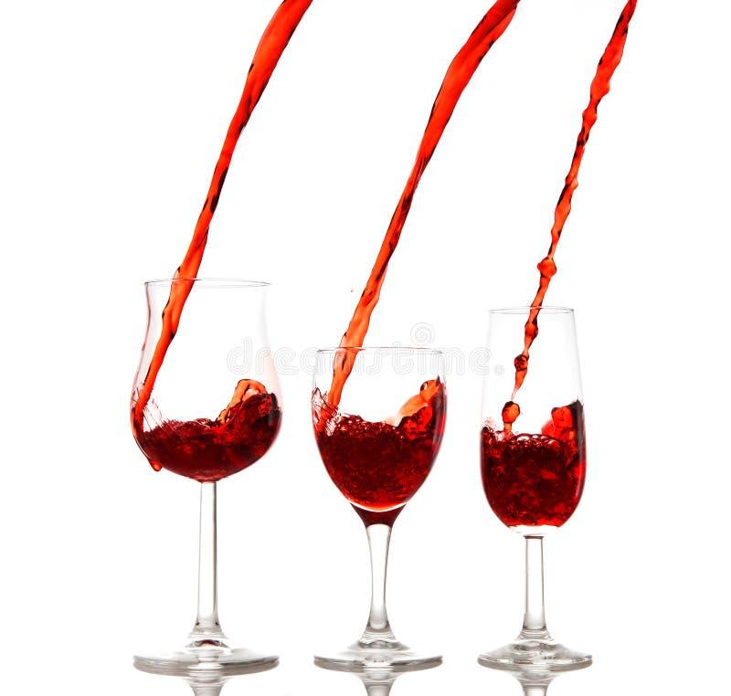 χύνοντας κρασί στοκ εικόνες