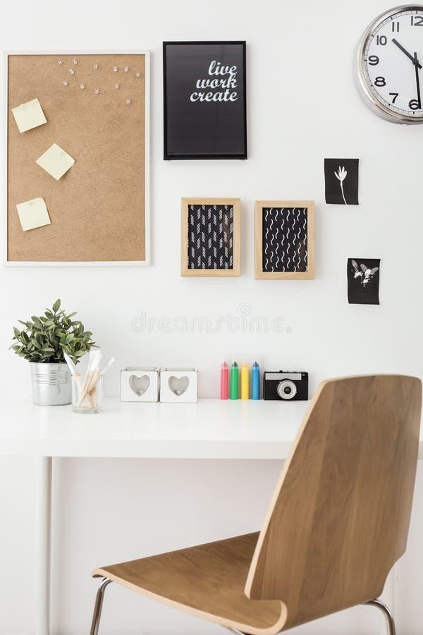 Χώρος εργασίας για το δημιουργικό πρόσωπο στοκ εικόνα