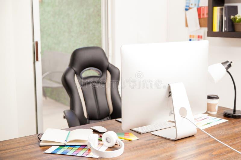 Χώρος εργασίας ενός γραφικού σχεδιαστή στοκ φωτογραφία