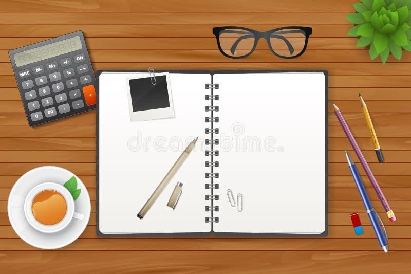 Χώρος εργασίας με το σημειωματάριο και το τσάι ελεύθερη απεικόνιση δικαιώματος