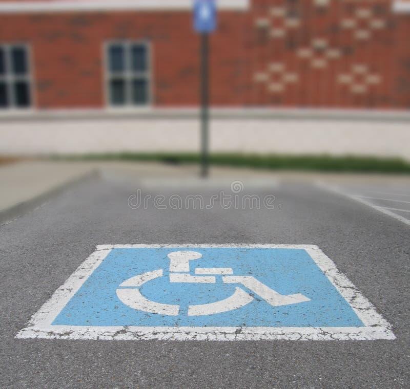 χώρος στάθμευσης αναπηρί&alph στοκ εικόνα με δικαίωμα ελεύθερης χρήσης