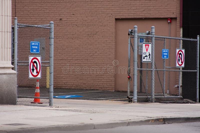 χώρος στάθμευσης μερών πυ& στοκ φωτογραφίες