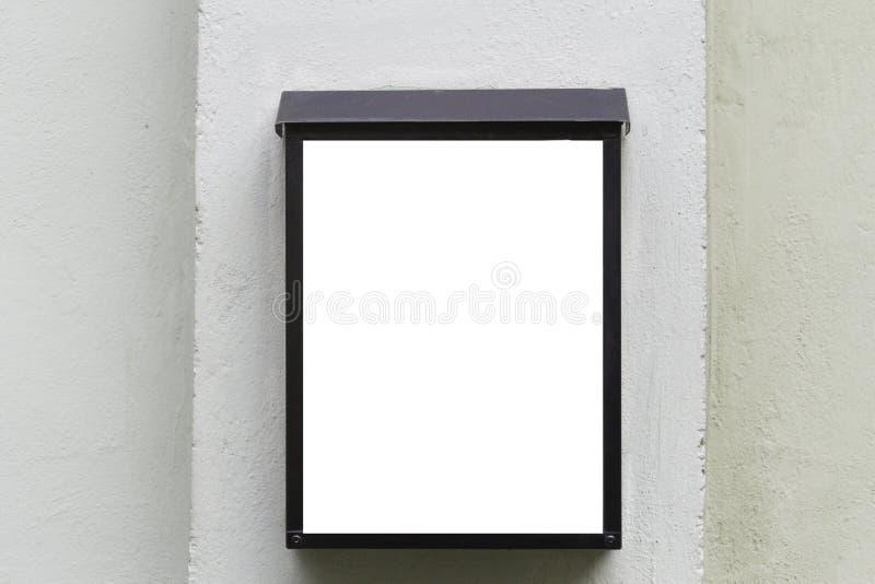Χλεύη επάνω Κενός πίνακας διαφημίσεων υπαίθρια, υπαίθρια διαφήμιση, πίνακας δημόσια πληροφορίας στον γκρίζο τοίχο στοκ φωτογραφίες με δικαίωμα ελεύθερης χρήσης
