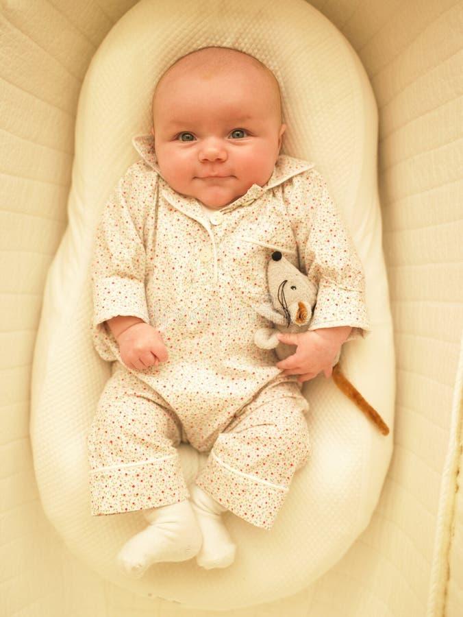 ψάθινη κούνια μωρών στοκ φωτογραφίες με δικαίωμα ελεύθερης χρήσης