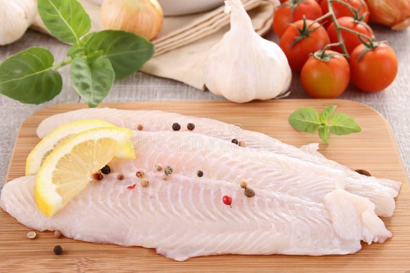ψάρια ακατέργαστα στοκ εικόνα με δικαίωμα ελεύθερης χρήσης