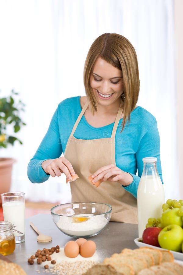 ψήσιμο των υγιών συστατι&kappa στοκ εικόνα