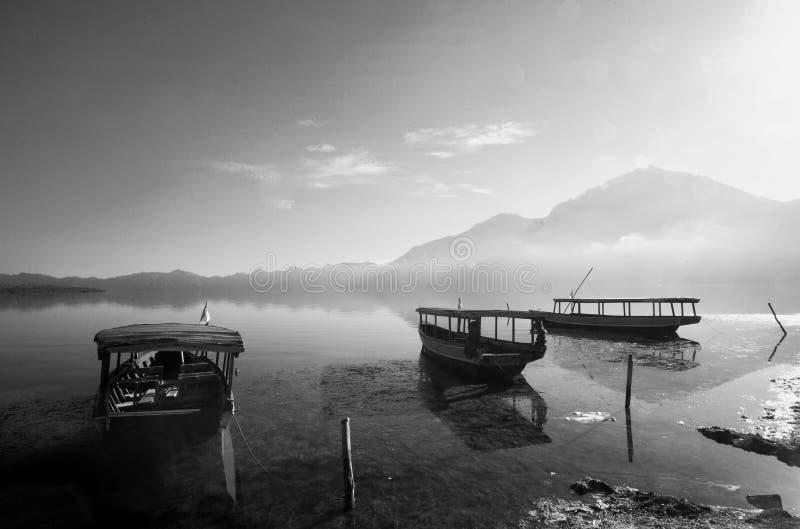 ψαράς βαρκών παραδοσιακός στοκ φωτογραφίες