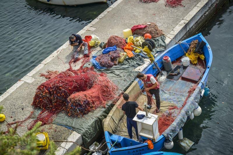 Ψαράς στην εργασία στοκ εικόνα