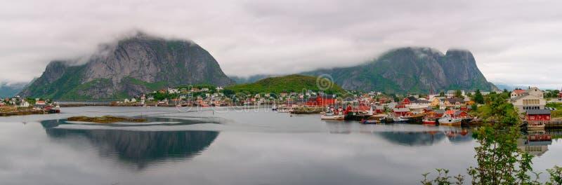 Ψαροχώρι στα νησιά Lofoten στη Νορβηγία στοκ φωτογραφία με δικαίωμα ελεύθερης χρήσης