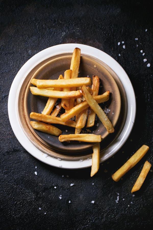 ψαλιδίζοντας απομονωμένο εικόνα μονοπάτι τηγανιτών πατατών στοκ εικόνες