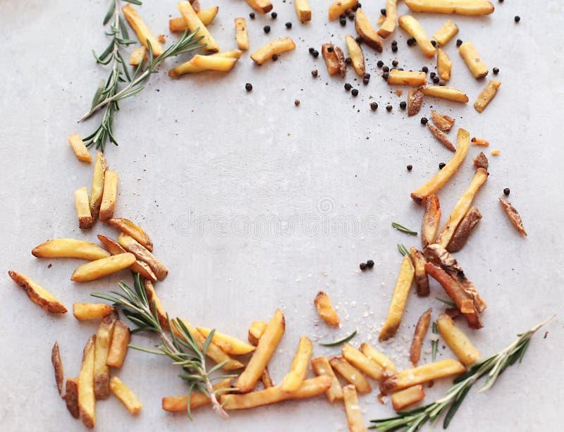 ψαλιδίζοντας απομονωμένο εικόνα μονοπάτι τηγανιτών πατατών στοκ εικόνα με δικαίωμα ελεύθερης χρήσης