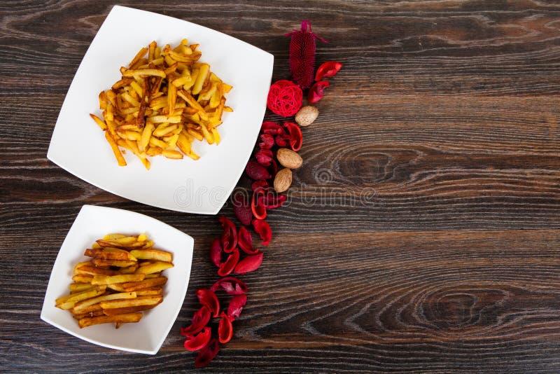 ψαλιδίζοντας απομονωμένο εικόνα μονοπάτι τηγανιτών πατατών στοκ φωτογραφίες