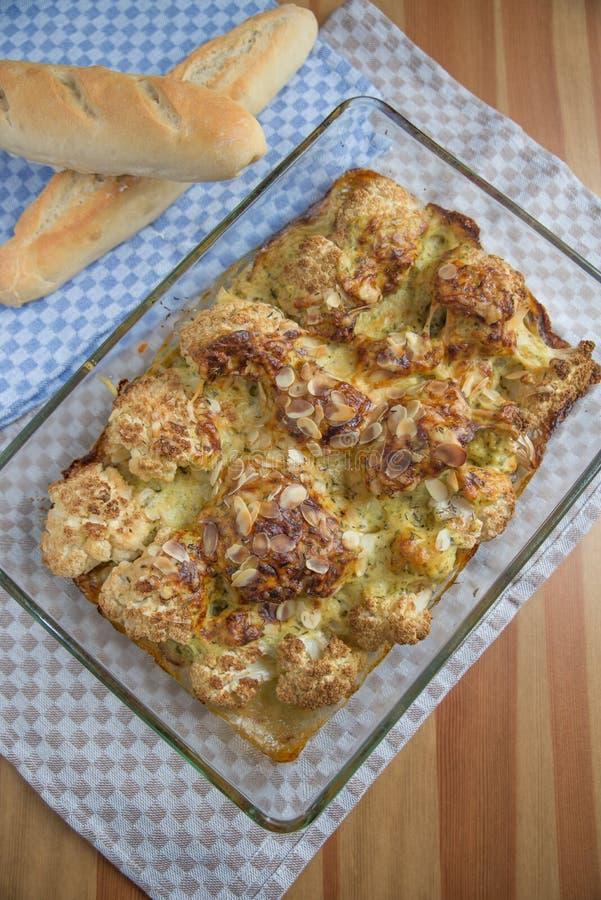 Ψημένα λαχανικά με τη σάλτσα τυριών bechamel στοκ φωτογραφίες