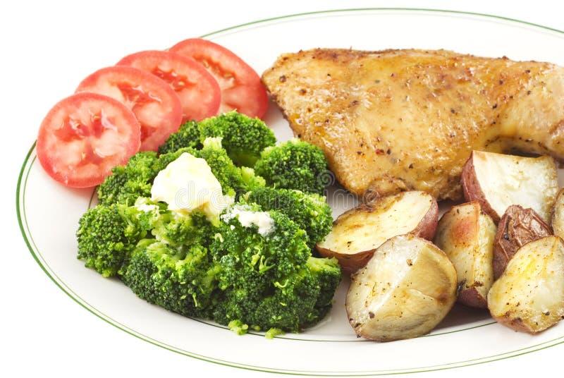 ψημένα καρυκευμένα κοτόπουλο λαχανικά στοκ φωτογραφία με δικαίωμα ελεύθερης χρήσης