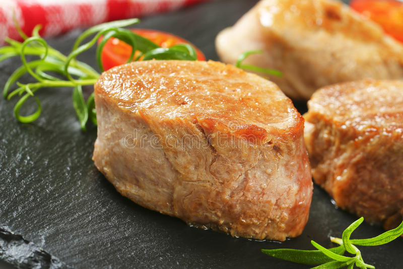 Ψημένα μενταγιόν χοιρινού κρέατος στοκ φωτογραφίες με δικαίωμα ελεύθερης χρήσης