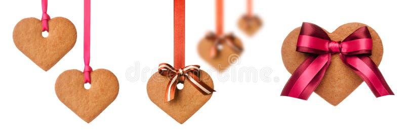 Ψημένα μπισκότα καρδιών μελοψωμάτων στοκ εικόνες