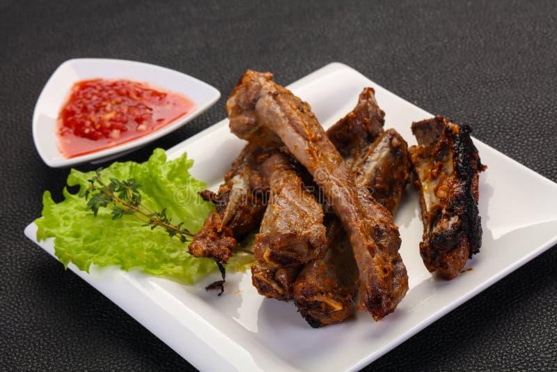 Ψημένα πλευρά χοιρινού κρέατος στοκ εικόνα με δικαίωμα ελεύθερης χρήσης