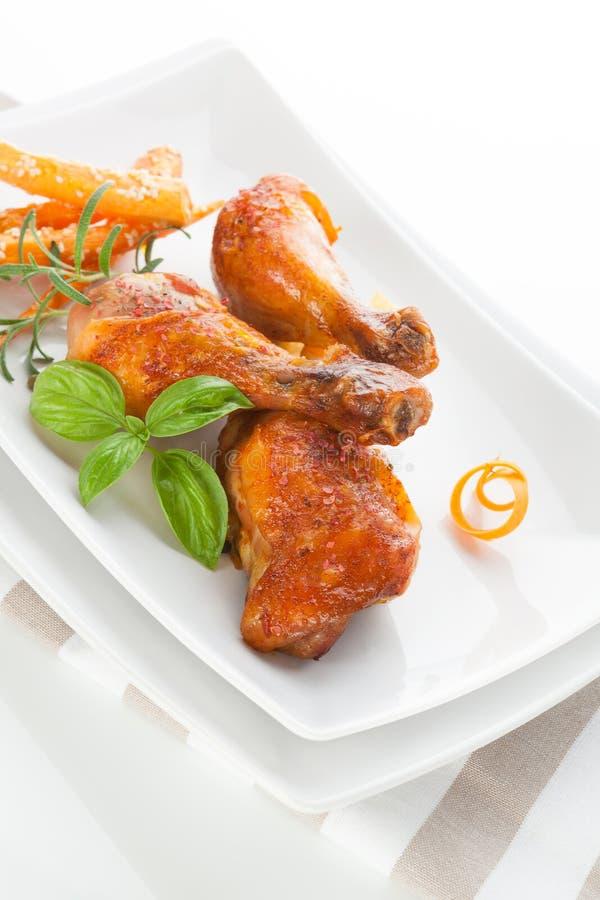 Ψημένα στη σχάρα πόδια κοτόπουλου. στοκ φωτογραφίες με δικαίωμα ελεύθερης χρήσης