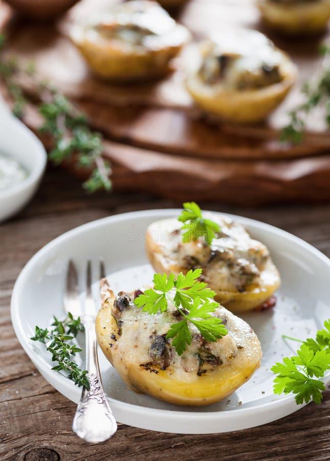 ψημένες πατάτες στοκ εικόνες με δικαίωμα ελεύθερης χρήσης