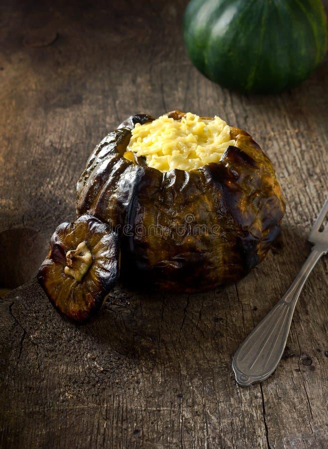 Ψημένη κολοκύθα με το κρέας και το τυρί στοκ φωτογραφίες