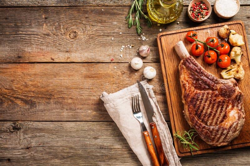 Ψημένη στη σχάρα μπριζόλα βόειου κρέατος τομαχόκ στοκ εικόνα με δικαίωμα ελεύθερης χρήσης