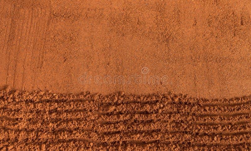Ψημένος κομματιασμένος καφές ως υπόβαθρο στοκ φωτογραφίες