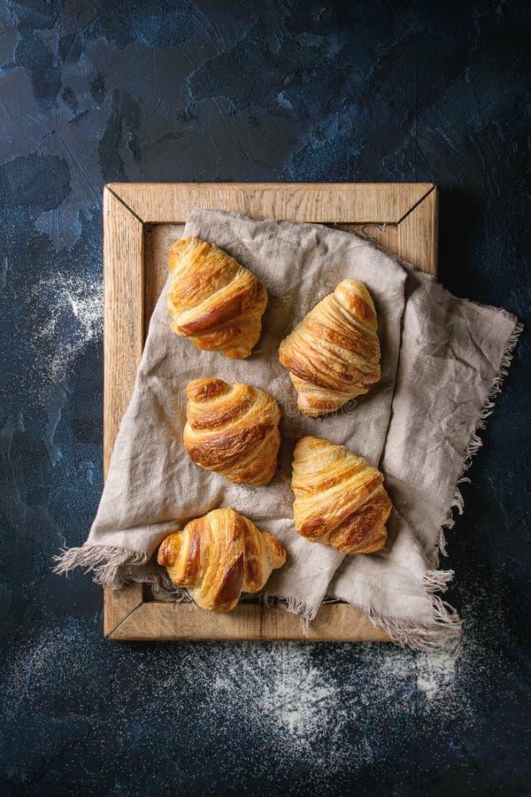 ψημένος croissants φρέσκος στοκ εικόνες