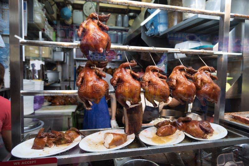 Ψημένο κοτόπουλο στο στάβλο πωλητών ρυζιού κοτόπουλου στοκ εικόνες