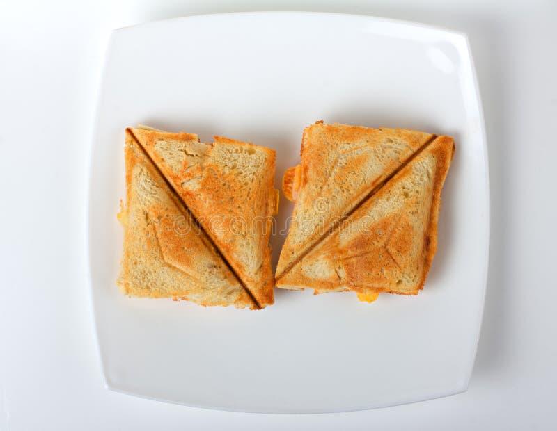 Ψημένο σάντουιτς σε ένα πιάτο στοκ φωτογραφία με δικαίωμα ελεύθερης χρήσης