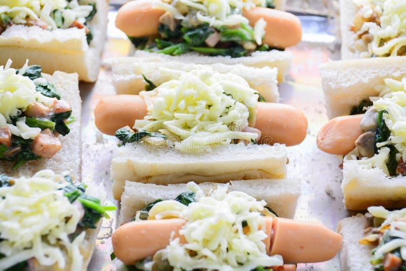 Ψημένο σπανάκι με το τυρί στοκ εικόνες με δικαίωμα ελεύθερης χρήσης