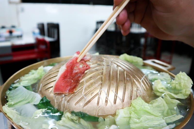 Ψημένο στη σχάρα βόειο κρέας στο φούρνο στοκ εικόνες με δικαίωμα ελεύθερης χρήσης
