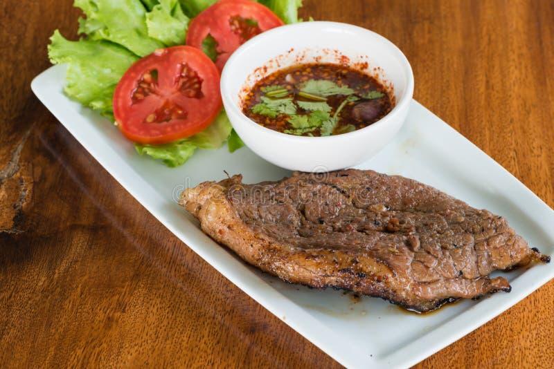 ψημένο στη σχάρα βόειο κρέας tenderloin στοκ εικόνες
