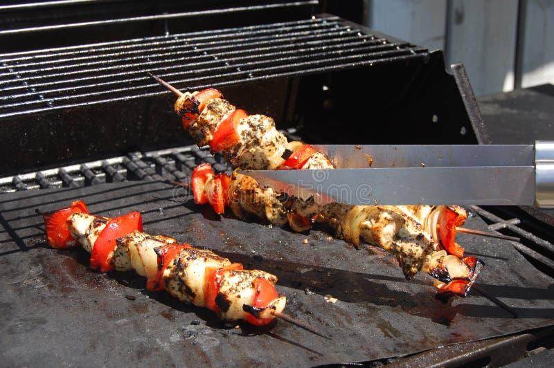 Ψημένο στη σχάρα κοτόπουλο Kebabs με Veggies στοκ εικόνα με δικαίωμα ελεύθερης χρήσης