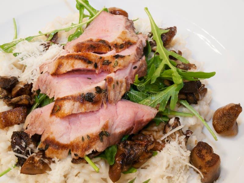 Ψημένο στη σχάρα κόντρα φιλέτο χοιρινού κρέατος στοκ εικόνες με δικαίωμα ελεύθερης χρήσης