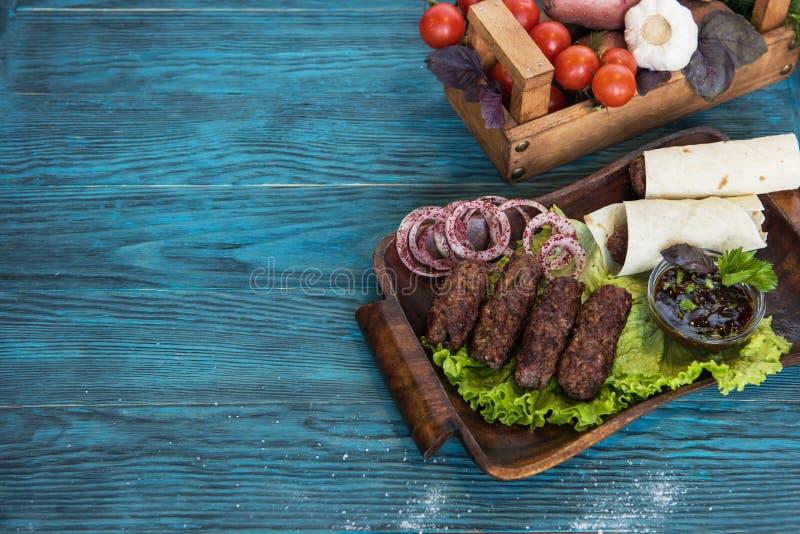 Ψημένο στη σχάρα lula kebab στοκ εικόνα με δικαίωμα ελεύθερης χρήσης