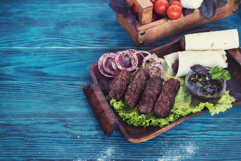 Ψημένο στη σχάρα lula kebab στοκ εικόνα