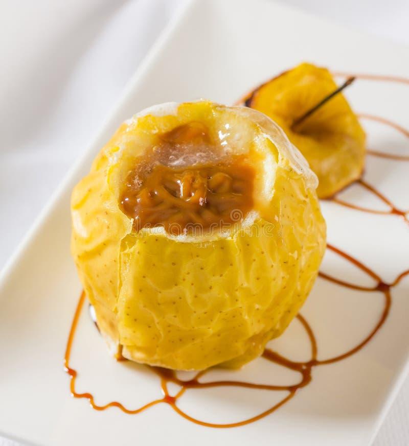 Ψημένο φούρνος μήλο στοκ εικόνα με δικαίωμα ελεύθερης χρήσης