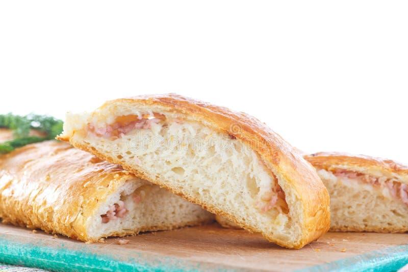 Ψημένο ψωμί που γεμίζεται με το τυρί στοκ φωτογραφία