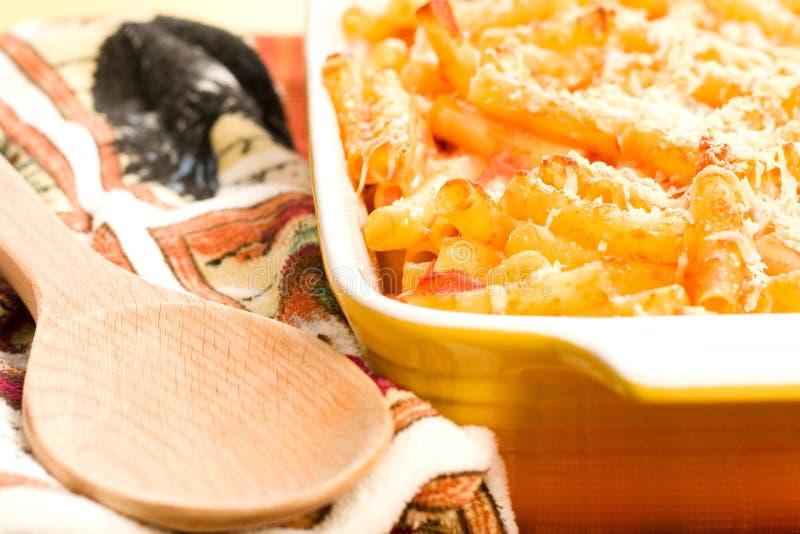 ψημένο casserole ziti στοκ εικόνες με δικαίωμα ελεύθερης χρήσης