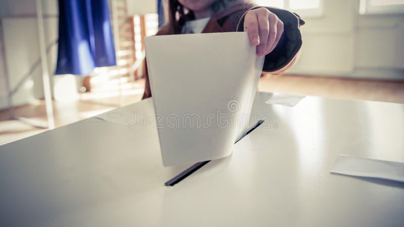 Ψηφίζοντας χέρι στοκ εικόνα