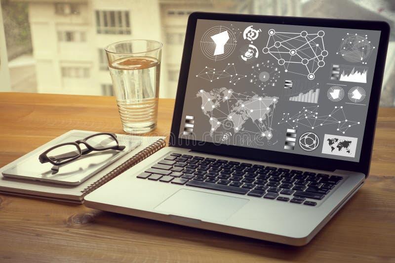 ψηφιακή επιχειρησιακή στρατηγική στρώματος και κοινωνικό διάγραμμα μέσων στοκ φωτογραφία με δικαίωμα ελεύθερης χρήσης
