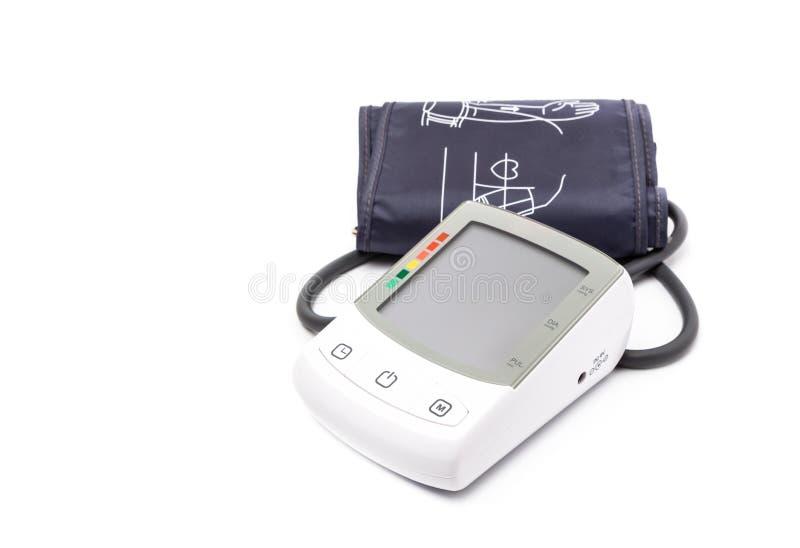 Ψηφιακό όργανο ελέγχου πίεσης του αίματος στο άσπρο υπόβαθρο στοκ εικόνες με δικαίωμα ελεύθερης χρήσης