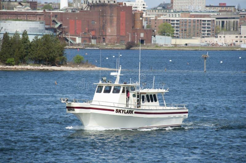 Ψυχαγωγική σιταρήθρα αλιευτικών σκαφών που αποχωρεί από το Νιού Μπέντφορτ στοκ φωτογραφία με δικαίωμα ελεύθερης χρήσης