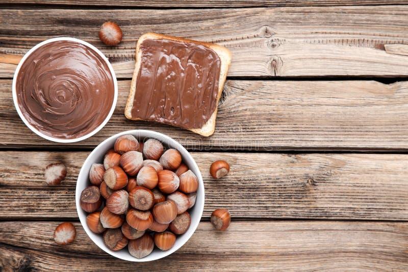 Ψωμί με τη λειωμένη σοκολάτα στοκ φωτογραφίες