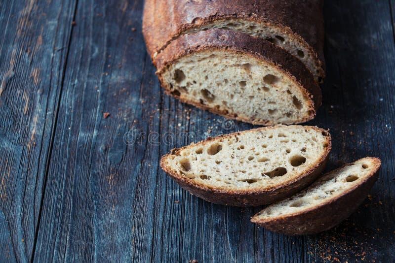 ψωμί που τεμαχίζεται στοκ φωτογραφίες με δικαίωμα ελεύθερης χρήσης